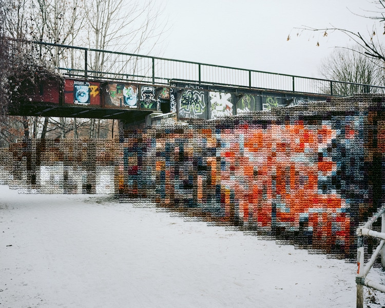 Photographies cousues Mur de Berlin par Diane Meyer