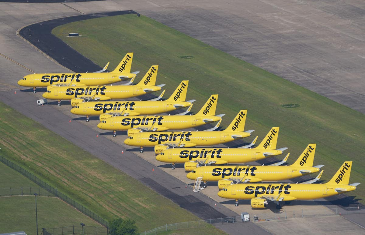 Des avions de Spirit Airlines échoués au cours d'un coronavirus à l'aéroport de Fort Worth Alliance
