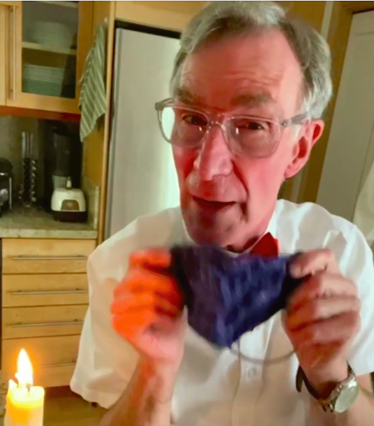 Bill Nye porte un masque facial
