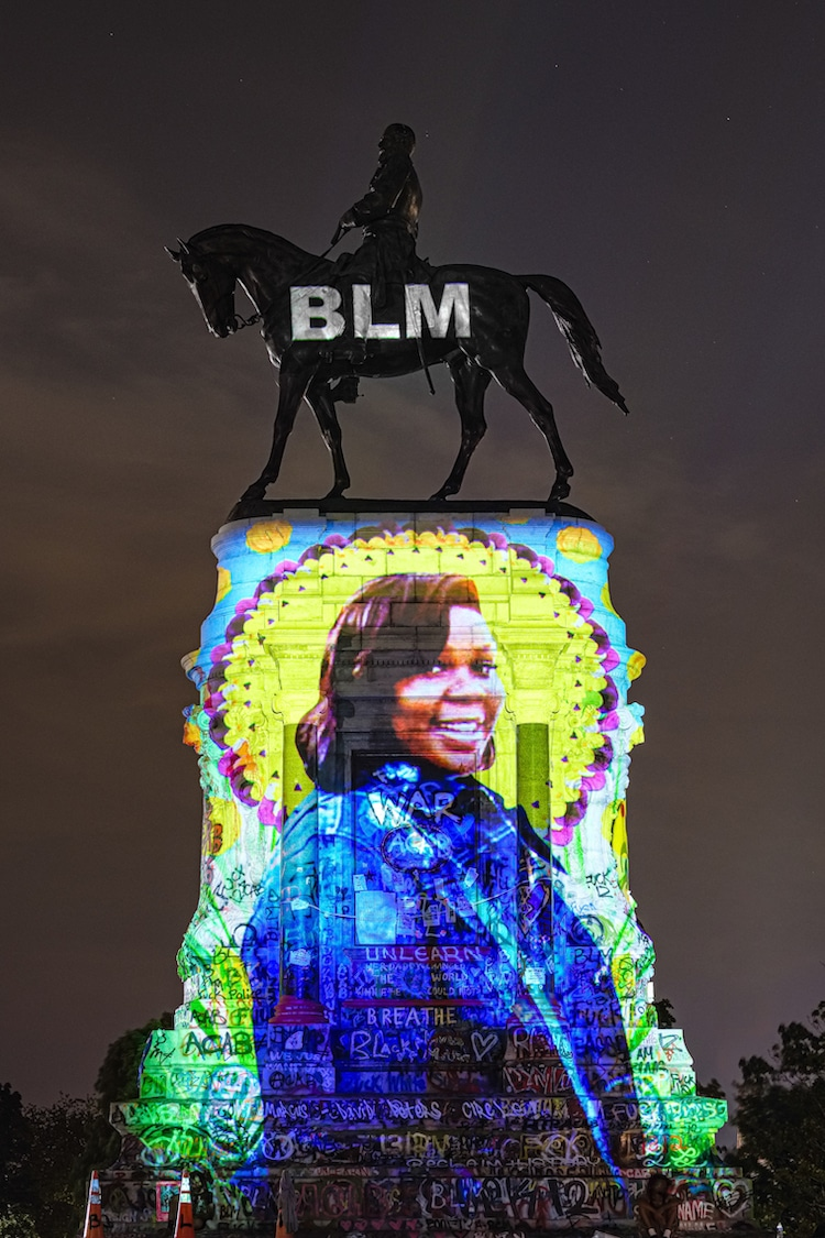 Black Lives Matter Art Installation sur le mémorial Robert E Lee